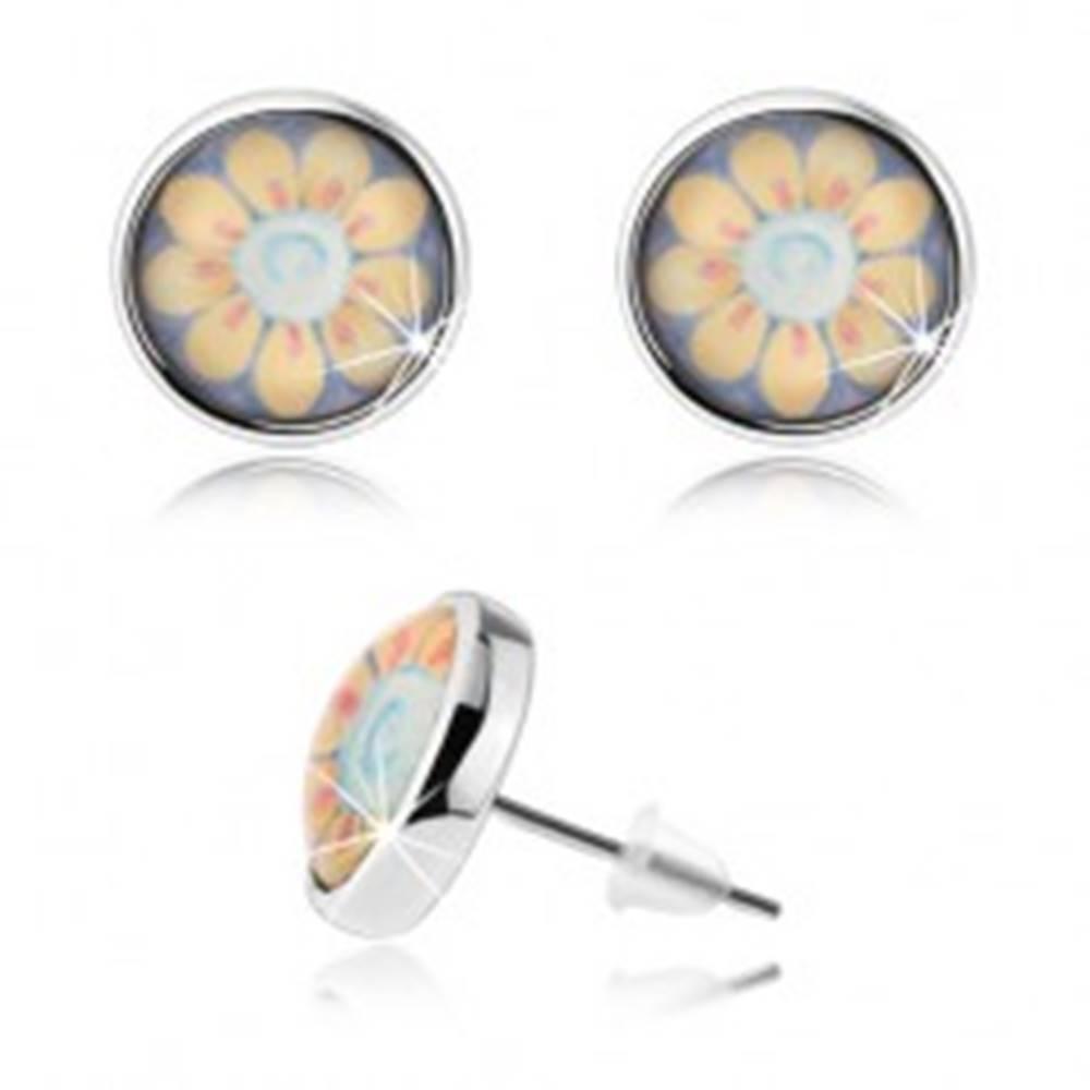 Šperky eshop Okrúhle náušnice v štýle kabošon, číre vypuklé sklo, žltý kvietok s bielym stredom