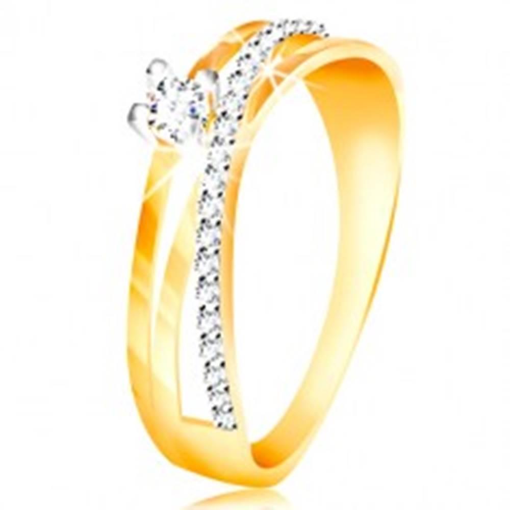 Šperky eshop Prsteň v 14K zlate - šikmá zirkónová línia čírej farby, okrúhly zirkón v kotlíku - Veľkosť: 49 mm