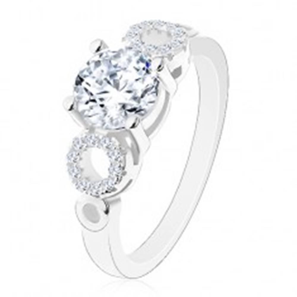 Šperky eshop Prsteň zo striebra 925, okrúhly číry zirkón, ligotavé obrysy kruhov - Veľkosť: 50 mm