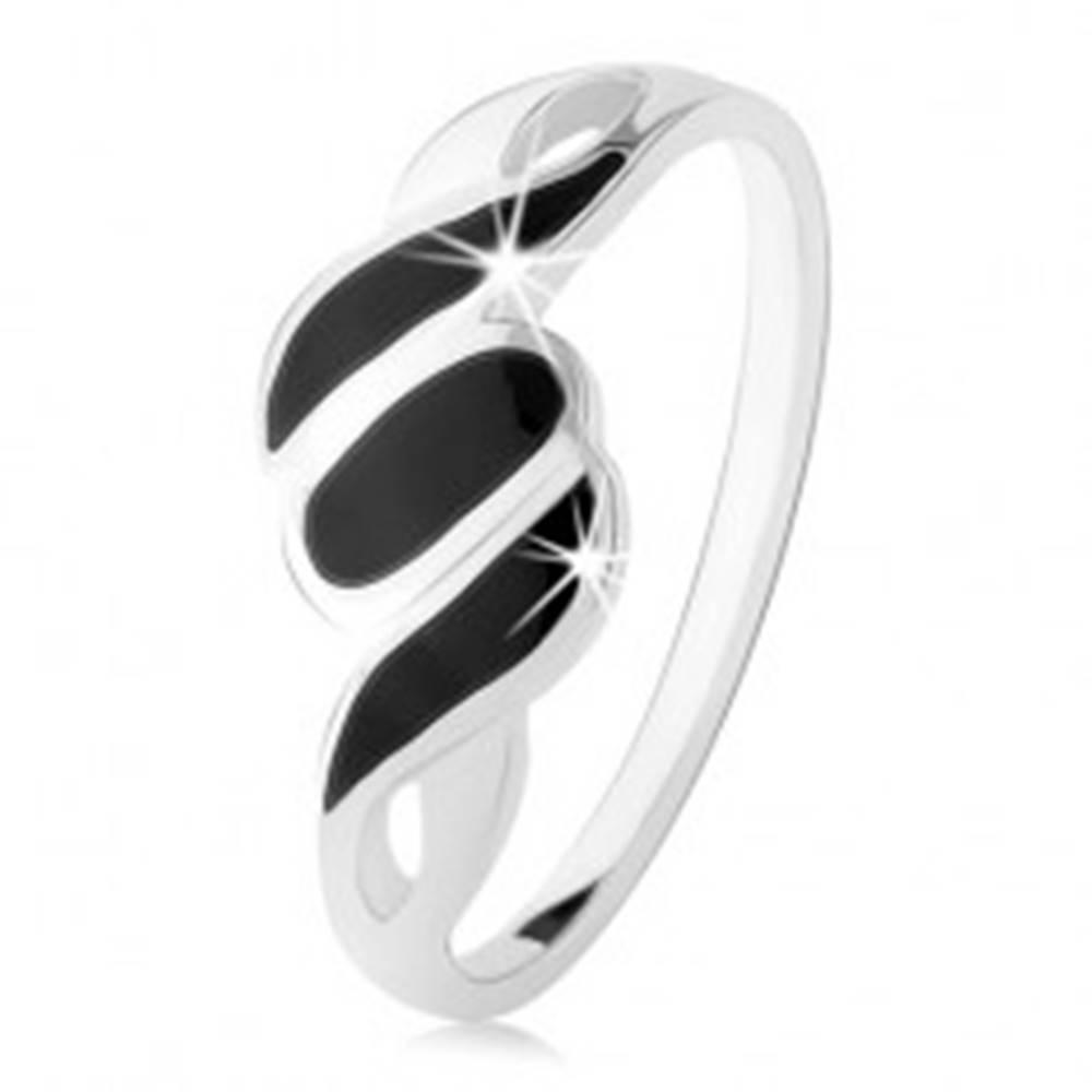Šperky eshop Strieborný 925 prsteň, hladké ramená, šikmé línie a ovál, čierny ónyx - Veľkosť: 49 mm