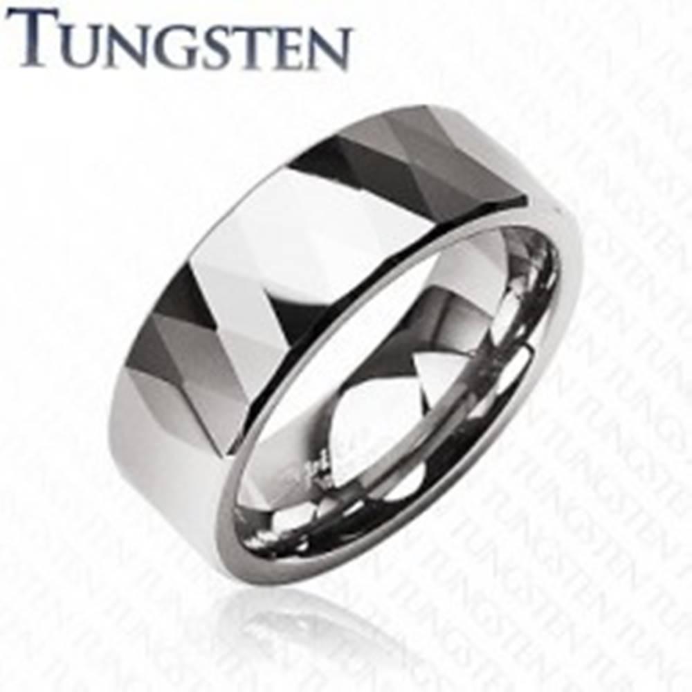 Šperky eshop Tungstenový prsteň - lesklé kosoštovrce a trojuholníky, strieborná farba - Veľkosť: 49 mm