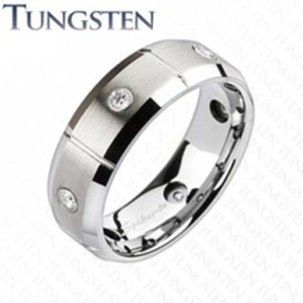 Šperky eshop Wolfrámový prsteň s brúsenými obdĺžnikmi a zirkónmi - Veľkosť: 49 mm
