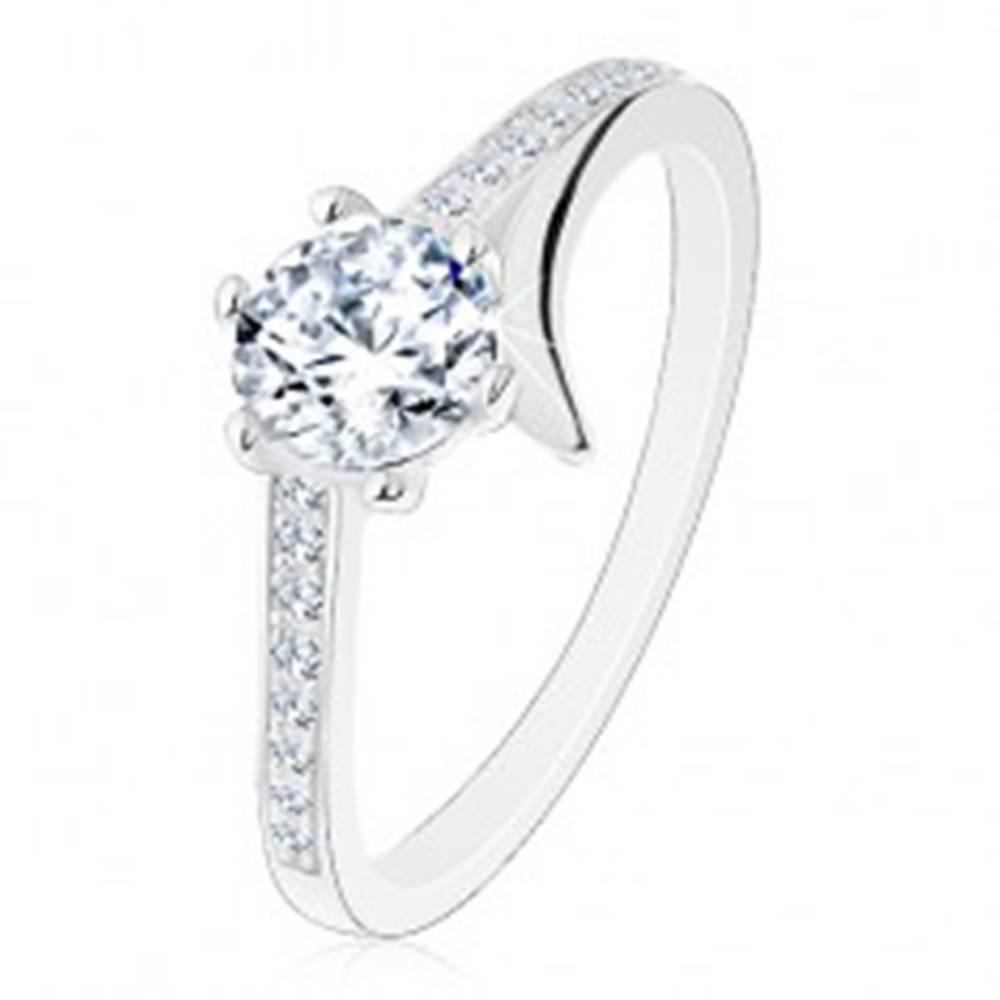 Šperky eshop Zásnubný prsteň, striebro 925, rozdelené rameno, zirkónové línie, okrúhly zirkón - Veľkosť: 48 mm