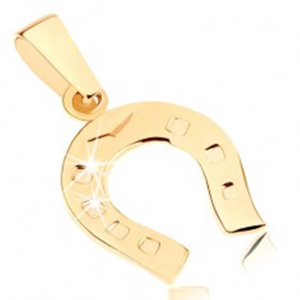 Šperky eshop Zlatý prívesok 375 - ligotavá podkovička pre šťastie, gravírované bodky