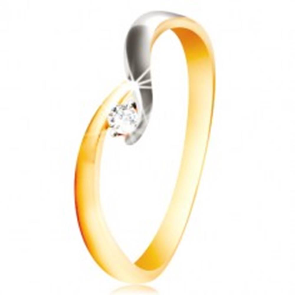 Šperky eshop Zlatý prsteň 585 - zahnuté dvojfarebné ramená, trblietavý číry zirkón - Veľkosť: 48 mm