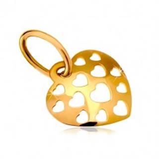 Zlatý prívesok 585 - lesklé vypuklé srdce posiate vyrezávanými srdiečkami