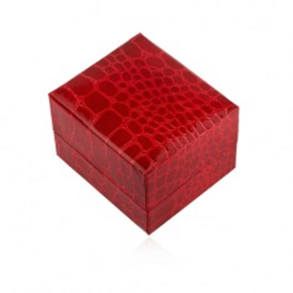 Šperky eshop Lesklá darčeková krabička na prsteň, červená farba, krokodílí vzor