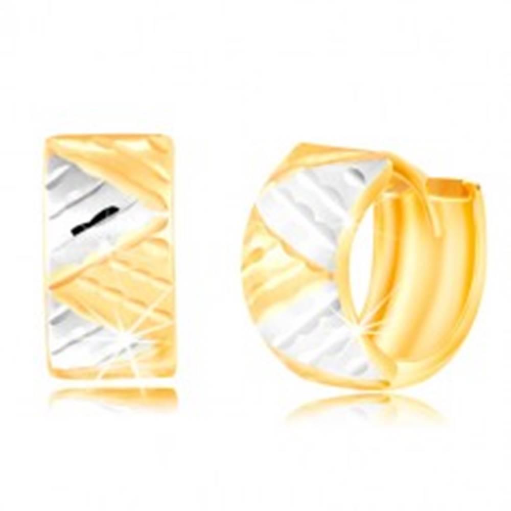Šperky eshop Náušnice v 14K zlate - širší krúžok s trojuholníkmi z bieleho a žltého zlata
