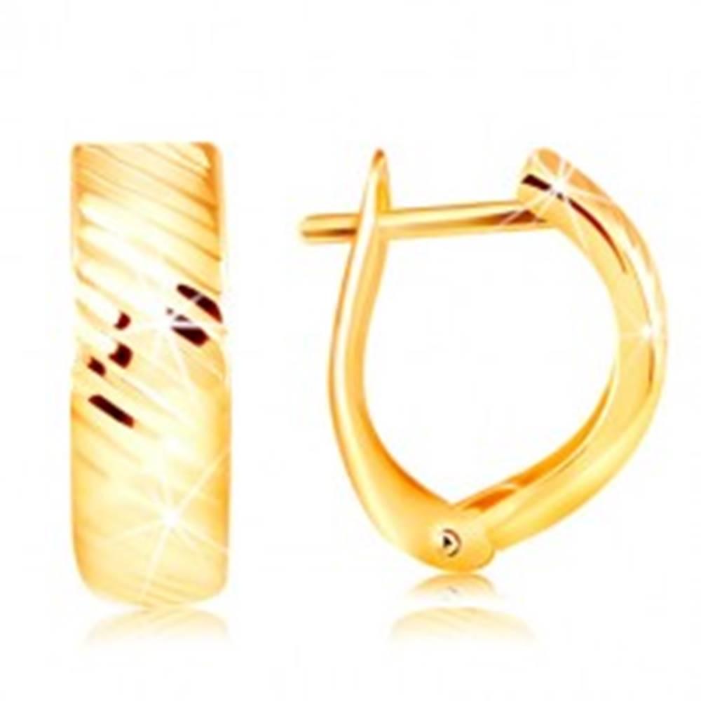 Šperky eshop Náušnice v žltom 14K zlate - oblúk s ligotavými šikmými zárezmi