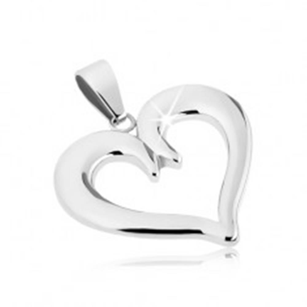 Šperky eshop Oceľový prívesok - srdiečko s výbežkom v strede