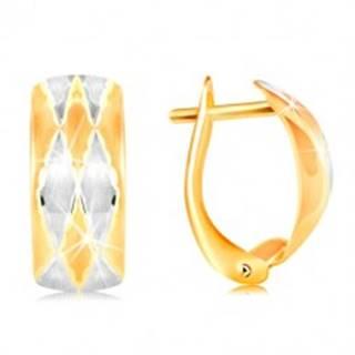 Náušnice zo 14K zlata - matný oblúk zdobený kosoštvorcami, žlté a biele zlato