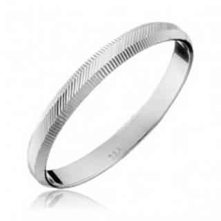 Strieborný prsteň 925 - zvislé a diagonálne vrúbky, 2 mm - Veľkosť: 50 mm