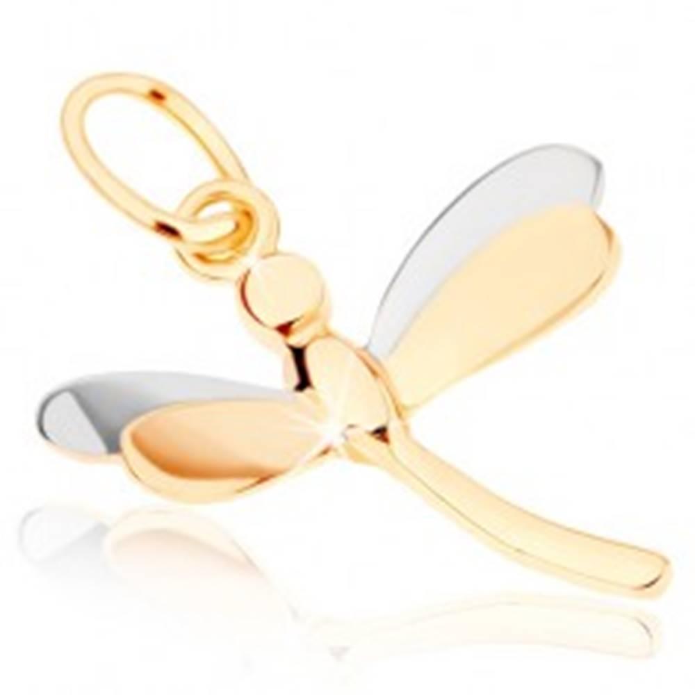 Šperky eshop Lesklý prívesok zo žltého 9K zlata - vážka s dvojfarebnými krídlami
