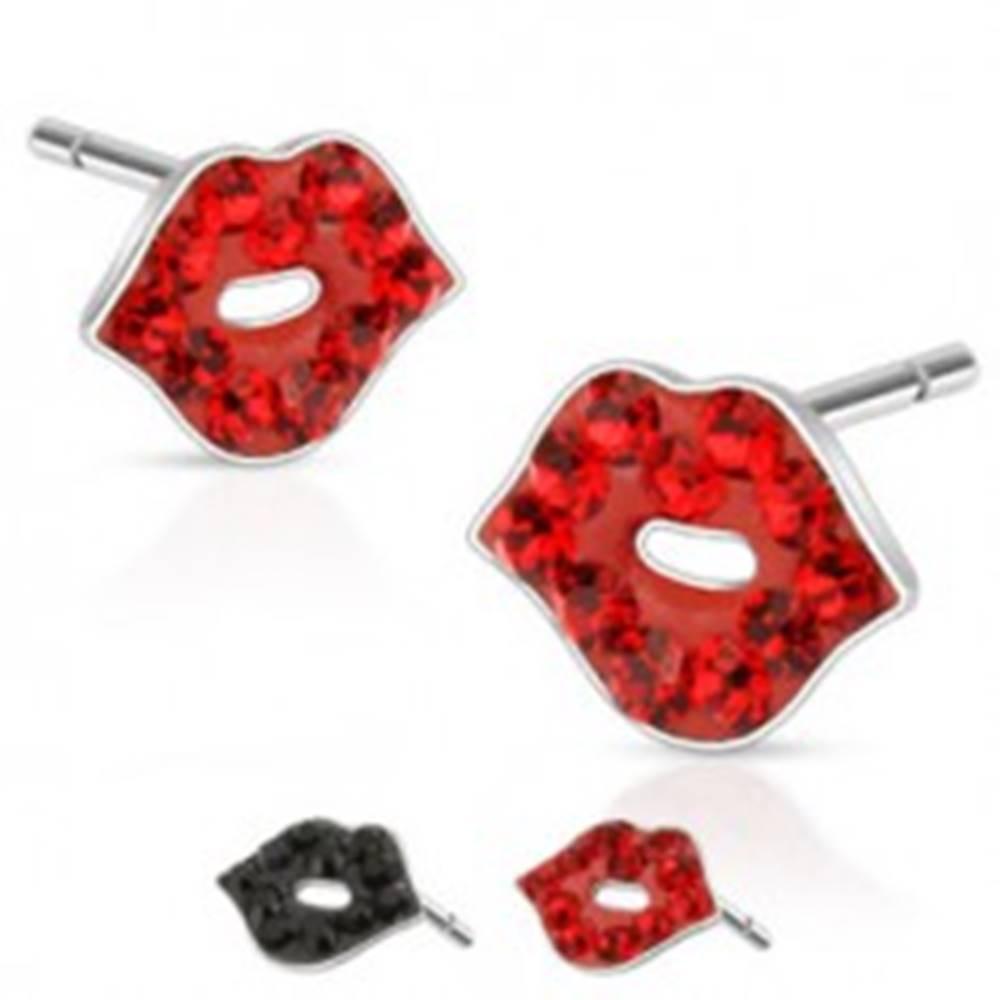 Šperky eshop Náušnice z ocele - tvar pusinky s farebnými kamienkami - Farba: Červená