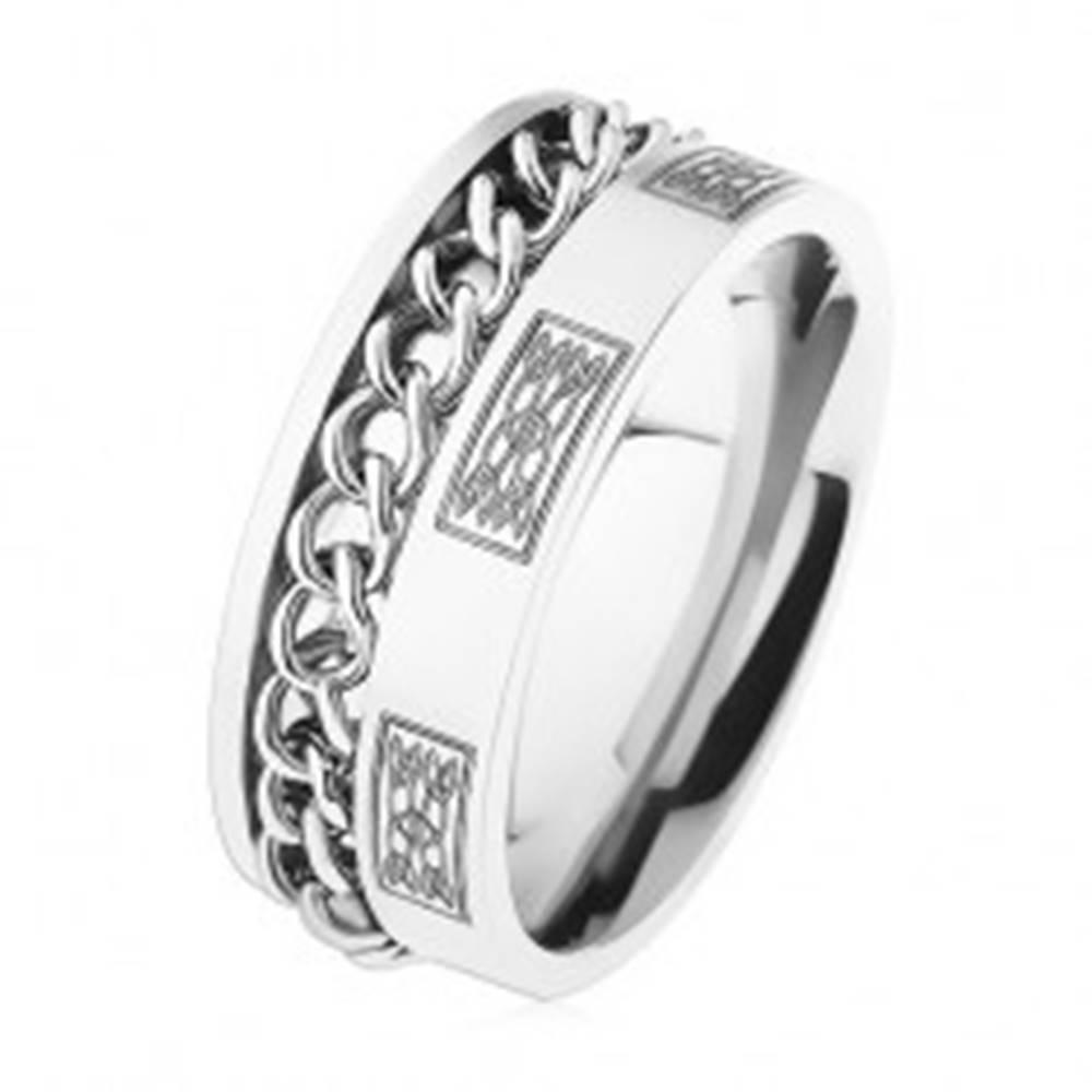 Šperky eshop Oceľový prsteň s retiazkou, strieborná farba, ornamenty - Veľkosť: 57 mm