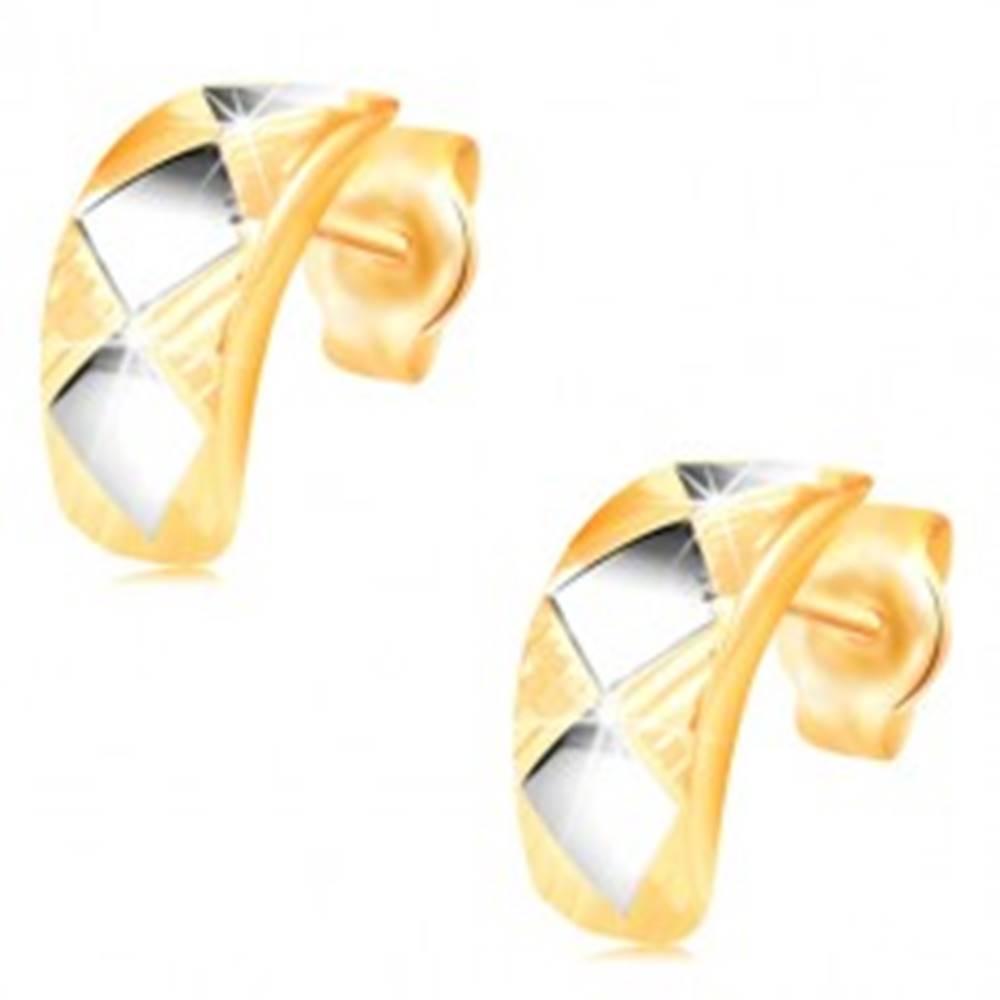 Šperky eshop Zlaté náušnice 14K - lesklý oblúk s kosoštvorcami z bieleho zlata a zárezmi