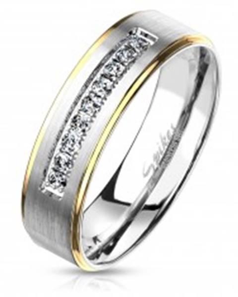 Šperky eshop Dvojfarebný oceľový prsteň, strieborný a zlatý odtieň, číre zirkóny, 6 mm - Veľkosť: 49 mm