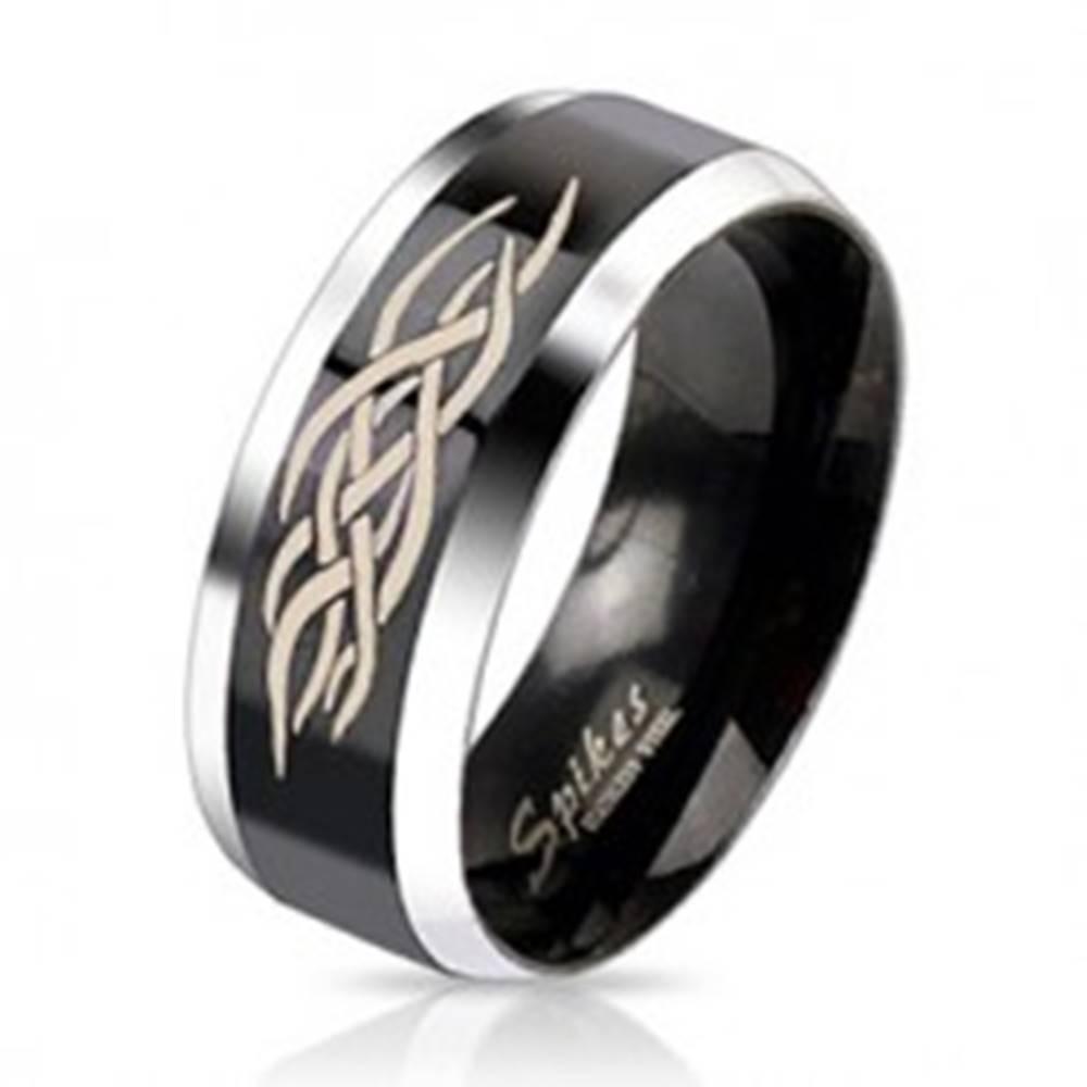Šperky eshop Oceľový prsteň - čierny pás s ornamentom - Veľkosť: 49 mm