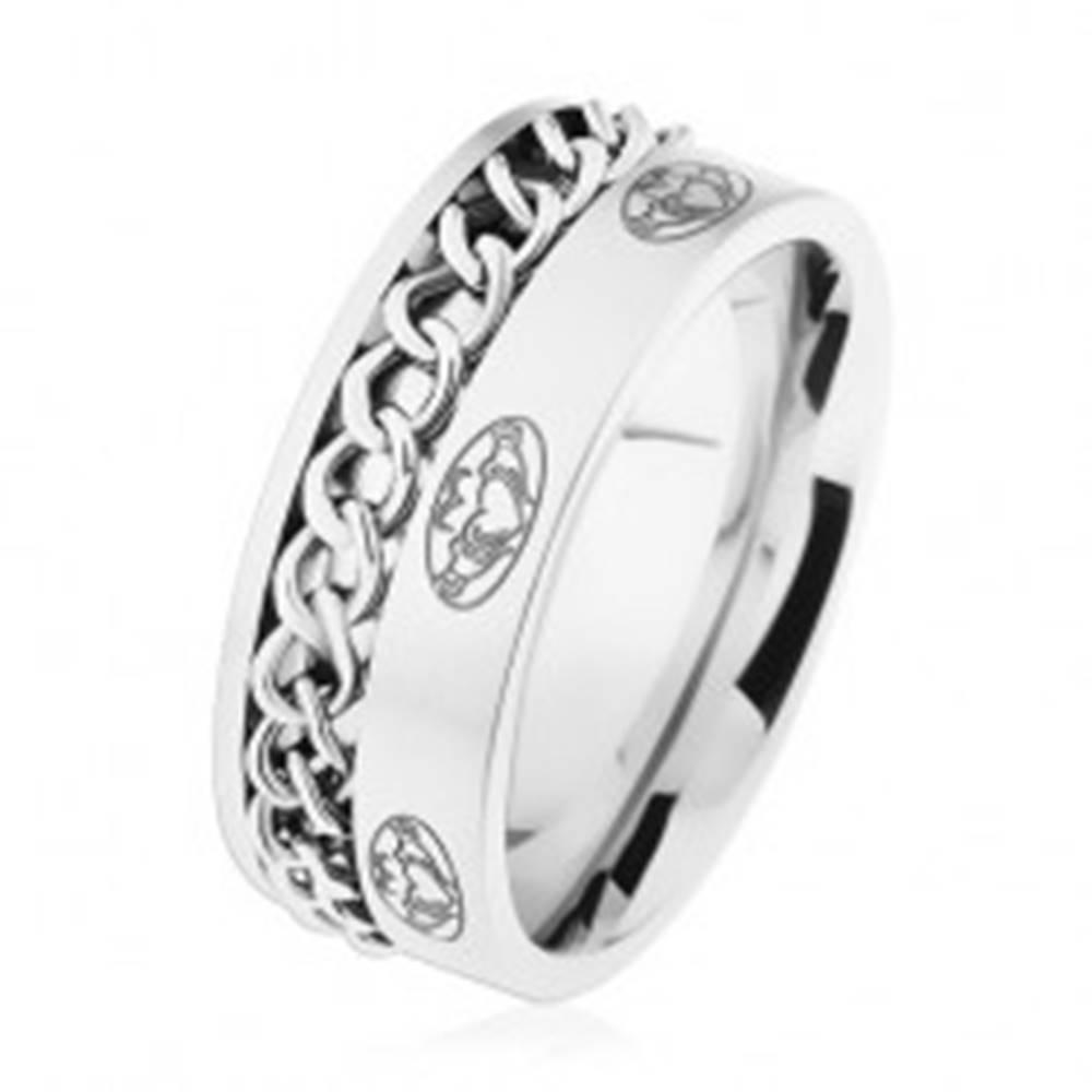 Šperky eshop Oceľový prsteň, retiazka, strieborná farba, matný povrch, ornamenty - Veľkosť: 57 mm