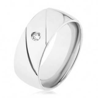 Prsteň z ocele 316L, strieborná farba, dva diagonálne zárezy, číry zirkónik - Veľkosť: 56 mm
