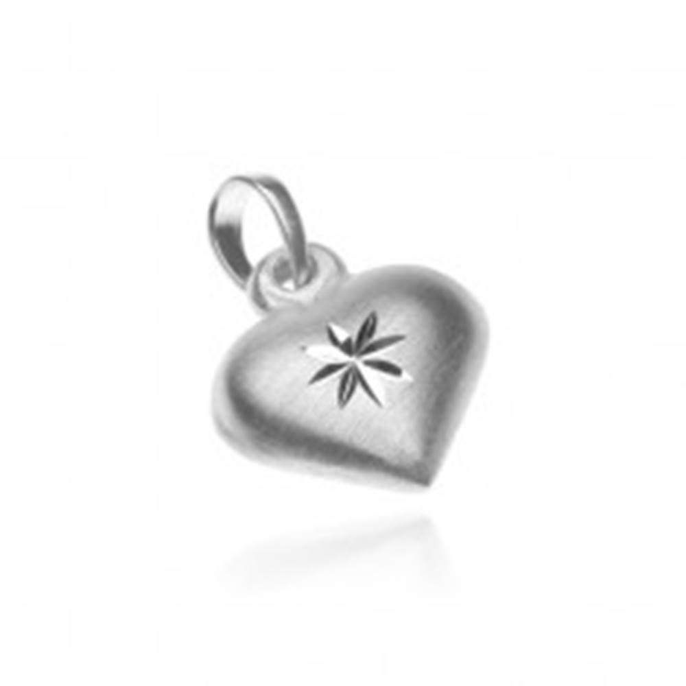 Šperky eshop Strieborný prívesok 925 - matné srdce s lesklou hviezdou