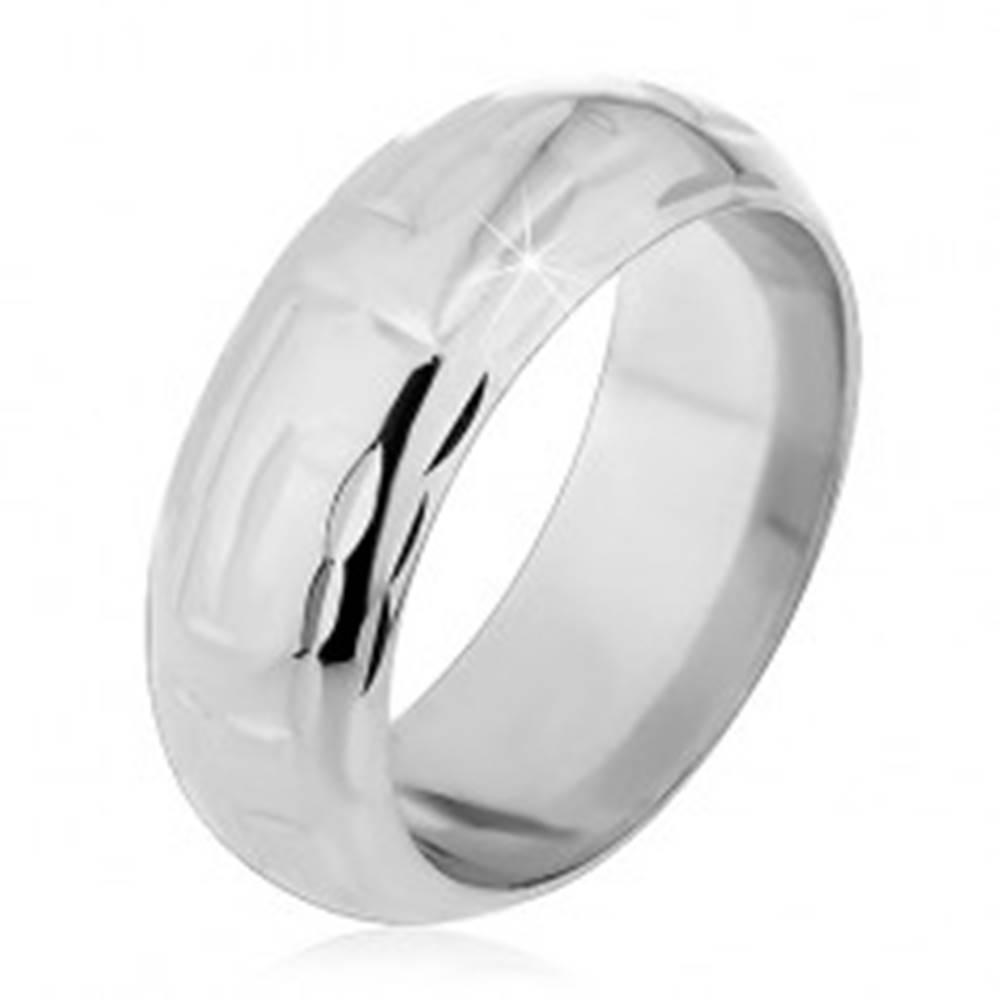 Šperky eshop Strieborný prsteň 925 - zárezy v tvare L tvoriace labyrint - Veľkosť: 49 mm