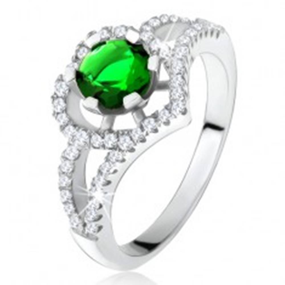 Šperky eshop Prsteň s rozdvojenými ramenami, zelený zirkón, obrys srdca, striebro 925 - Veľkosť: 50 mm