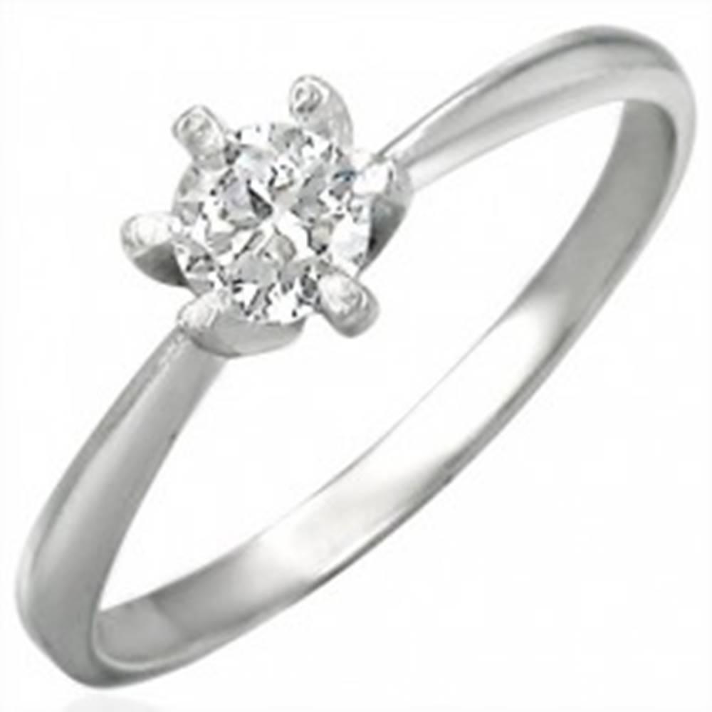 Šperky eshop Zásnubný prsteň z ocele 316L s čírym zirkónom, lesklé ramená - Veľkosť: 48 mm