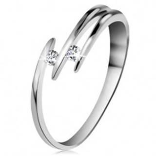 Briliantový prsteň z bieleho 14K zlata - dva ligotavé číre diamanty, tenké línie ramien - Veľkosť: 48 mm