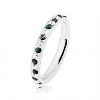 Oceľový prsteň striebornej farby, číre a tmavozelené zirkóniky - Veľkosť: 49 mm