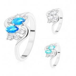 Prsteň v striebornom odtieni, dve farebné zrnká a okrúhle zirkóny čírej farby - Veľkosť: 48 mm, Farba: Modrá