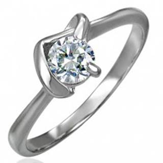 Snubný prsteň z chirurgickej ocele s véčkovým úchytom a čírym zirkónom - Veľkosť: 49 mm