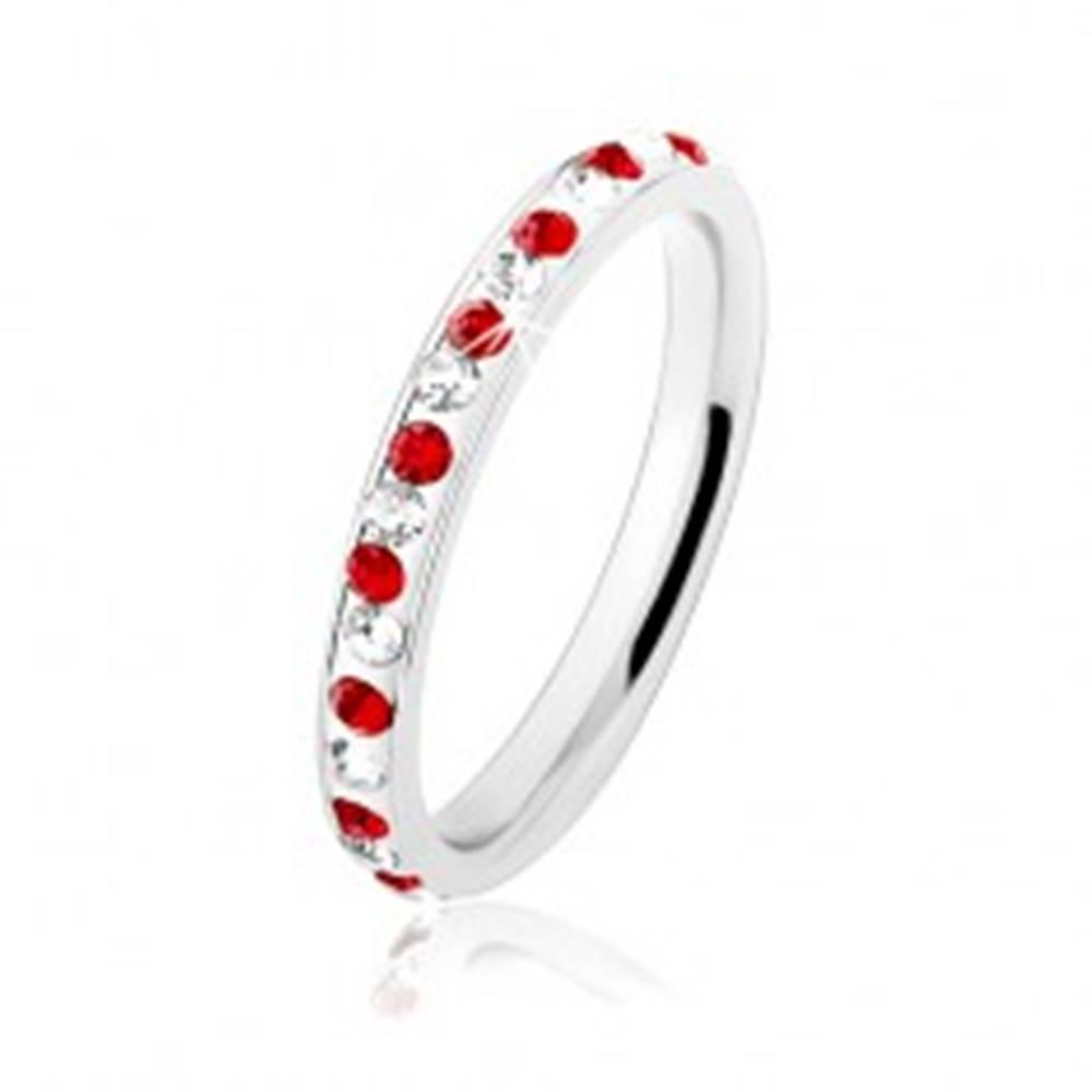 Šperky eshop Oceľový prsteň striebornej farby, číre a červené zirkóniky, biela glazúra - Veľkosť: 49 mm