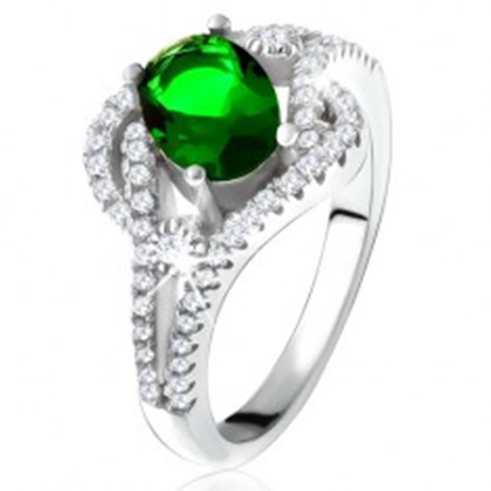 Šperky eshop Prsteň - striebro 925, zaoblené línie, číre kamienky, oválny zelený zirkón - Veľkosť: 50 mm