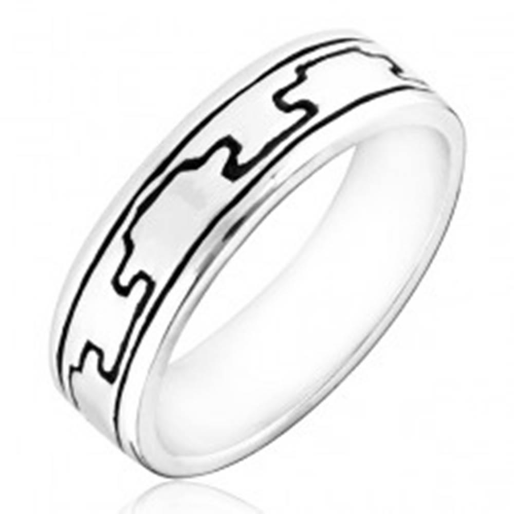 Šperky eshop Prsteň zo striebra 925 - vzor gravírovaných čiernych výbežkov - Veľkosť: 50 mm