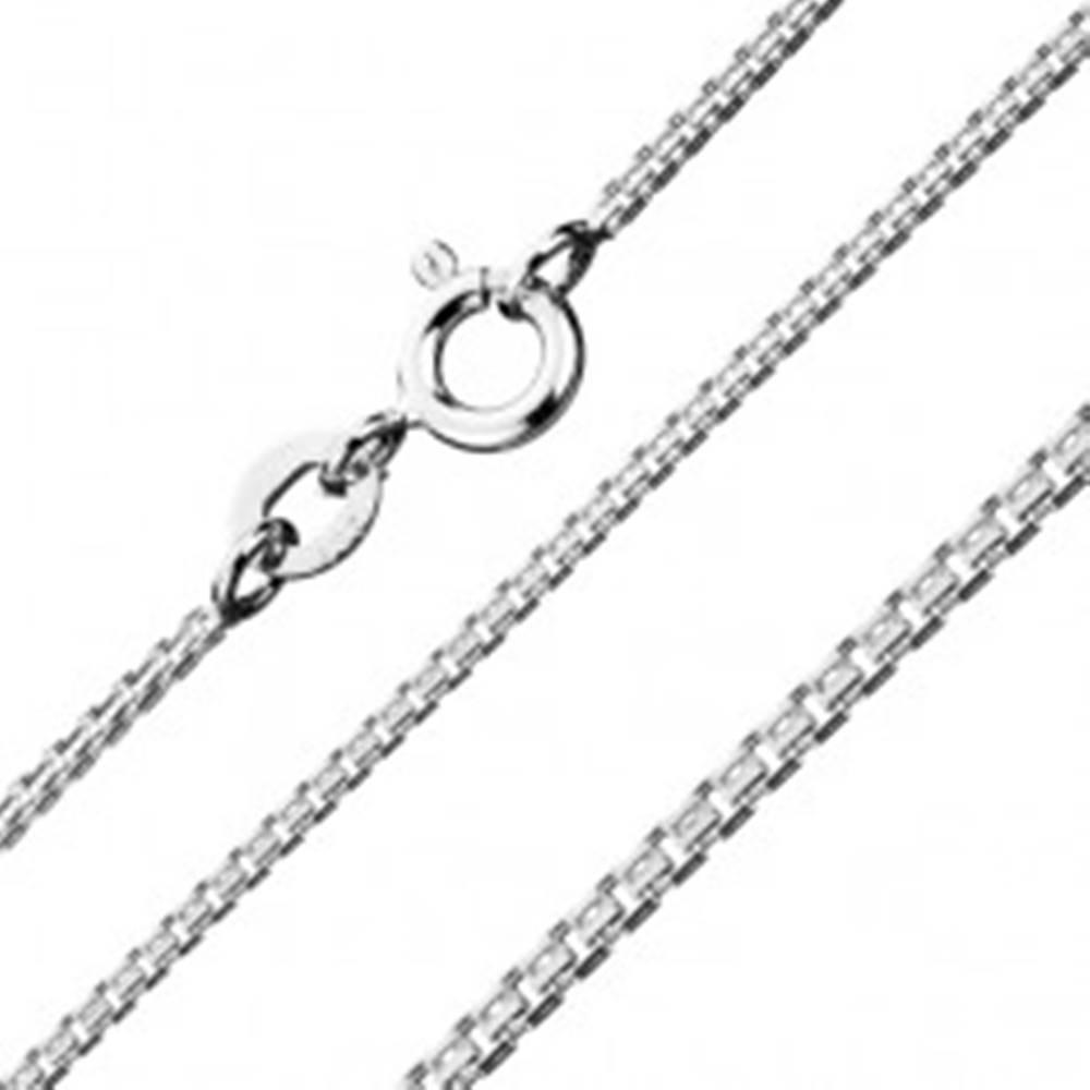 Šperky eshop Strieborná retiazka 925 - kolmo schytené štvorčeky so zárezmi, 1,1 mm