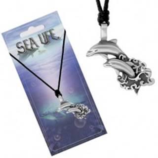 Šnúrkový náhrdelník s príveskom dvoch delfínov vyskakujúcich z mora