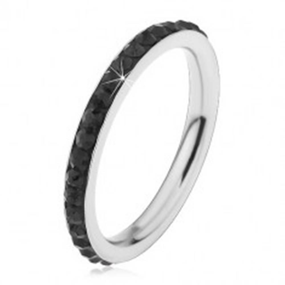 Šperky eshop Oceľový prsteň striebornej farby, ligotavé čierne zirkóniky - Veľkosť: 49 mm