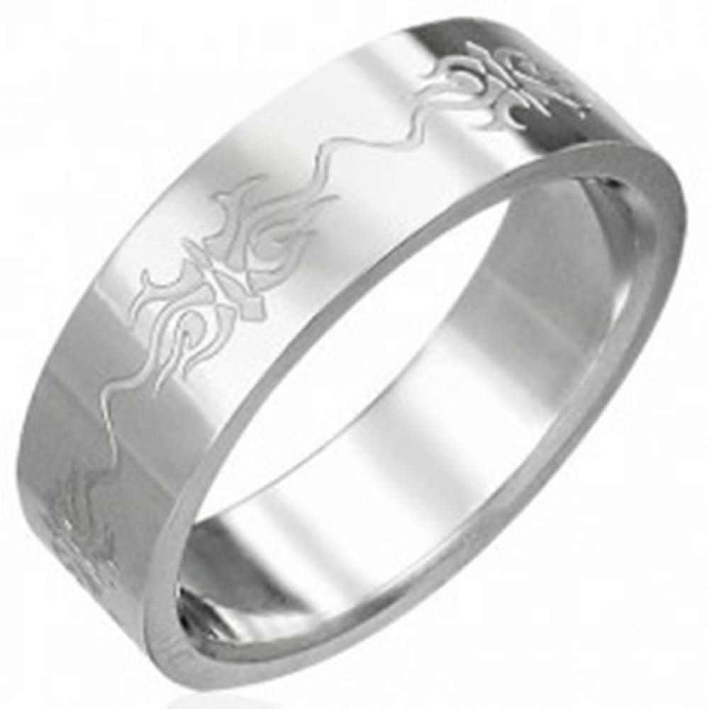 Šperky eshop Prsteň z chirurgickej ocele s ornamentmi - Veľkosť: 51 mm
