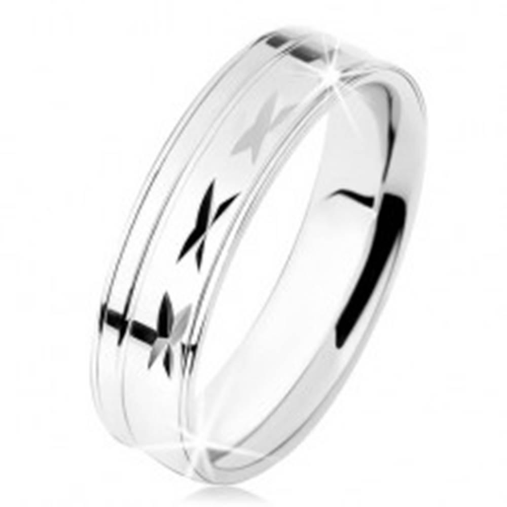 Šperky eshop Prsteň zo striebra 925, lesklý povrch so zárezmi, tenké línie - Veľkosť: 49 mm