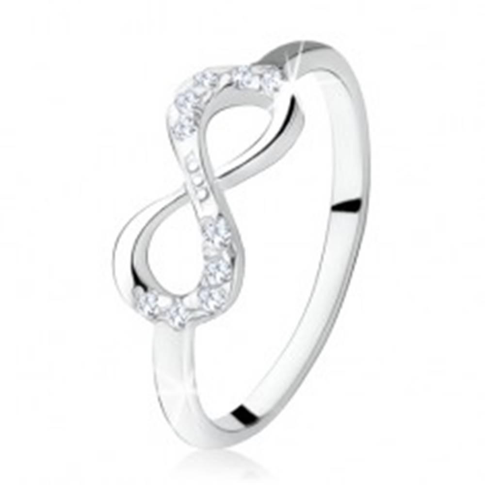 Šperky eshop Strieborný zásnubný prsteň 925, ležiaca osmička, číre zirkóny - Veľkosť: 49 mm