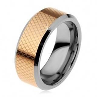 Dvojfarebný volfrámový prsteň, drobné kosoštvorce, skosené okraje, 8 mm - Veľkosť: 49 mm