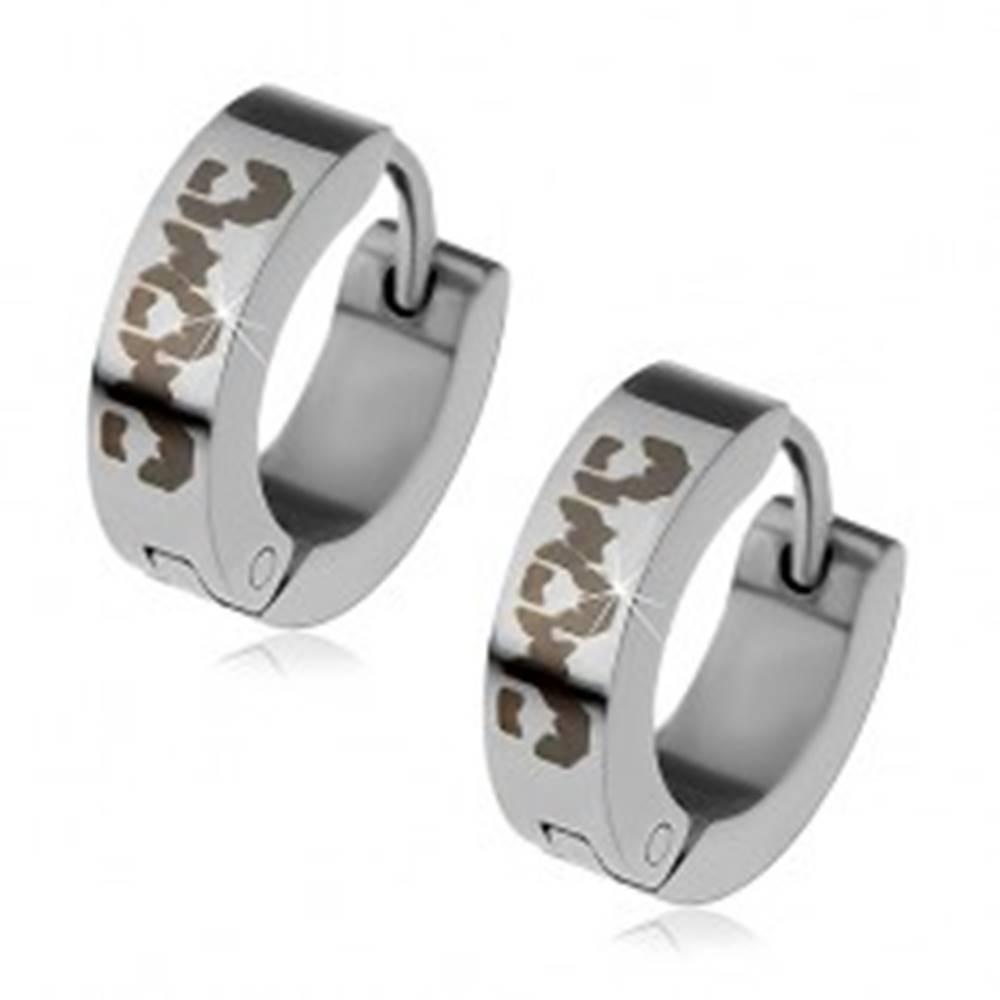 Šperky eshop Kĺbové oceľové náušnice striebornej farby, čierny asymetrický vzor