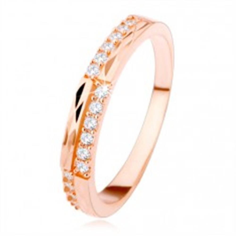 Šperky eshop Strieborná obrúčka 925 medenej farby, číre zirkóny a diamantový rez - Veľkosť: 48 mm
