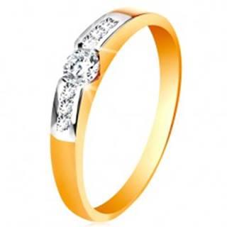 Zlatý prsteň 585 - okrúhly číry zirkón v strede, pásy zirkónov po stranách - Veľkosť: 49 mm