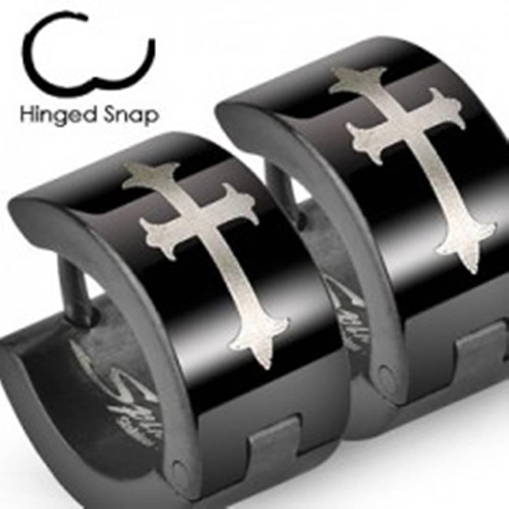 Šperky eshop Čierne oceľové náušnice s ľaliovým krížom v striebornom odtieni