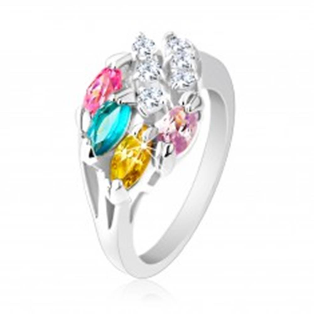 Šperky eshop Lesklý prsteň striebornej farby, farebné zirkónové zrnká, číre zirkóniky - Veľkosť: 49 mm