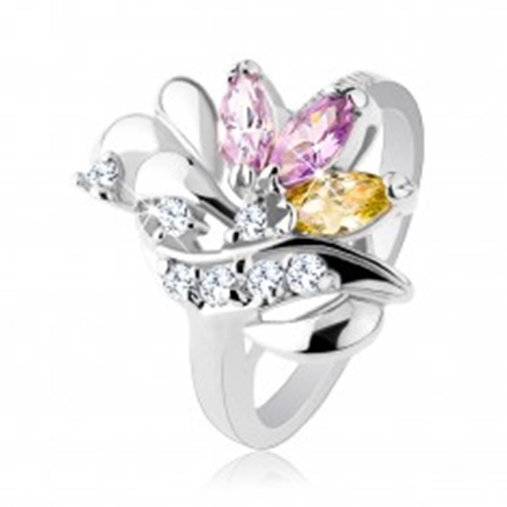 Šperky eshop Lesklý prsteň, zrnkové farebné zirkóny, lesklé slzičky a trblietavá vlnka - Veľkosť: 49 mm