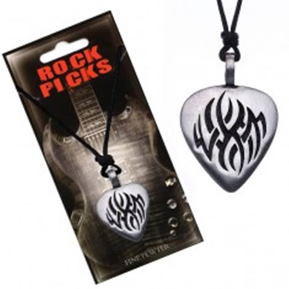Šperky eshop Náhrdelník so šnúrkou - čierny, ploché trsátko, vyrezávaný ornament