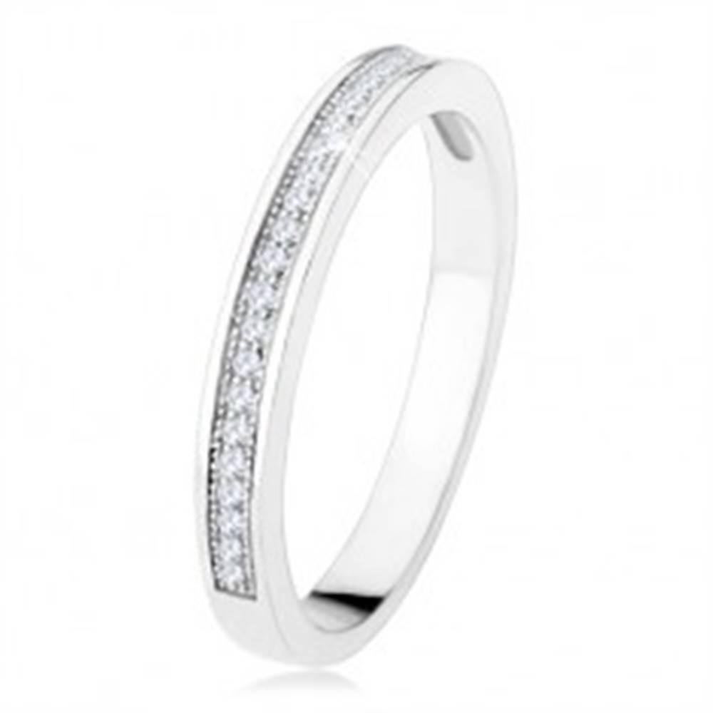 Šperky eshop Obrúčka zo striebra 925, vodorovná línia čírych zirkónov, gravírované guličky - Veľkosť: 49 mm